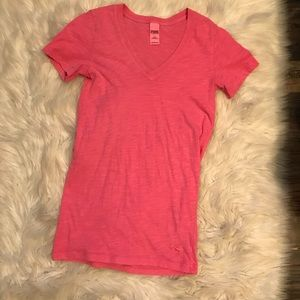 Vs pink tee size small